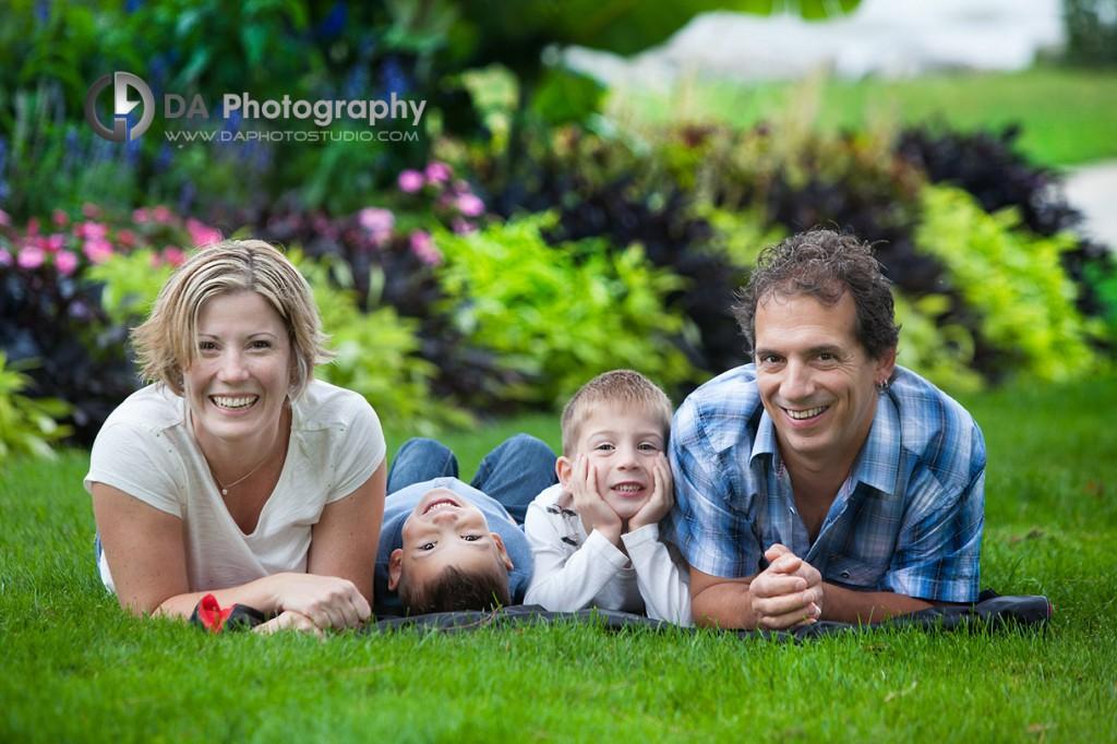 Family Fun at the grass - Fall Family Photos by DA Photography - Gairloch Gardens, Oakville - www.daphotostudio.com