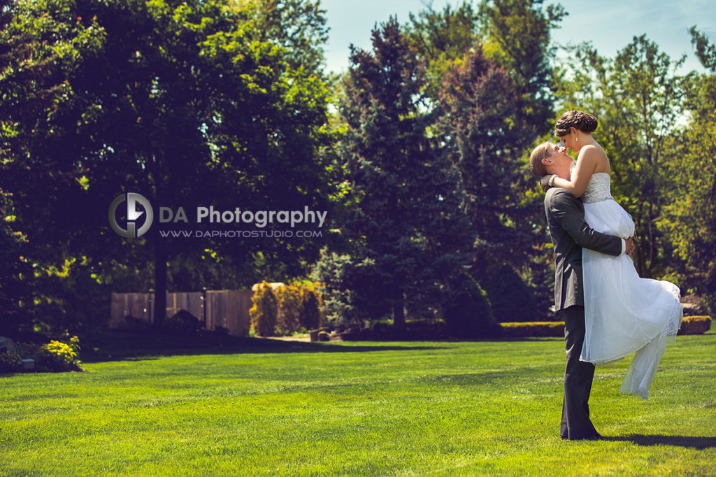 """""""I can lift you up"""" - Wedding with the first look at Terrace on the Green, www.daphotostudio.com"""