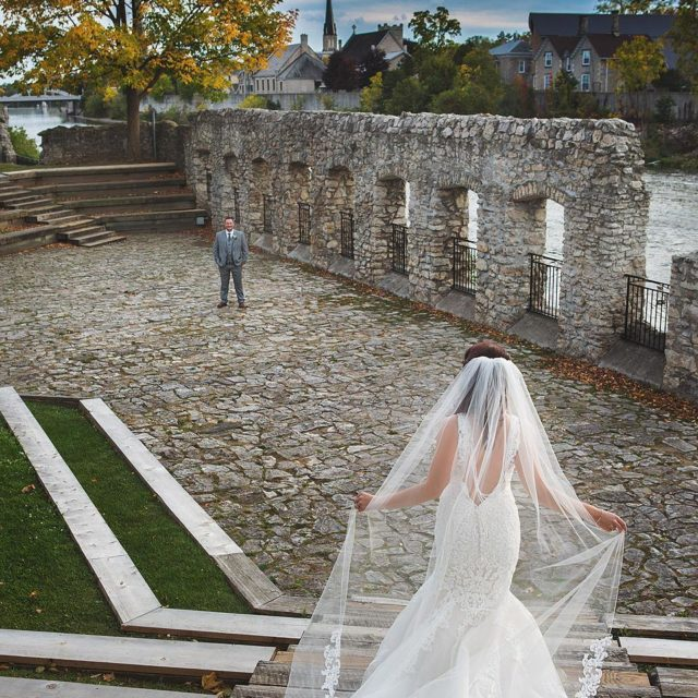 First look by the water daphotostudio