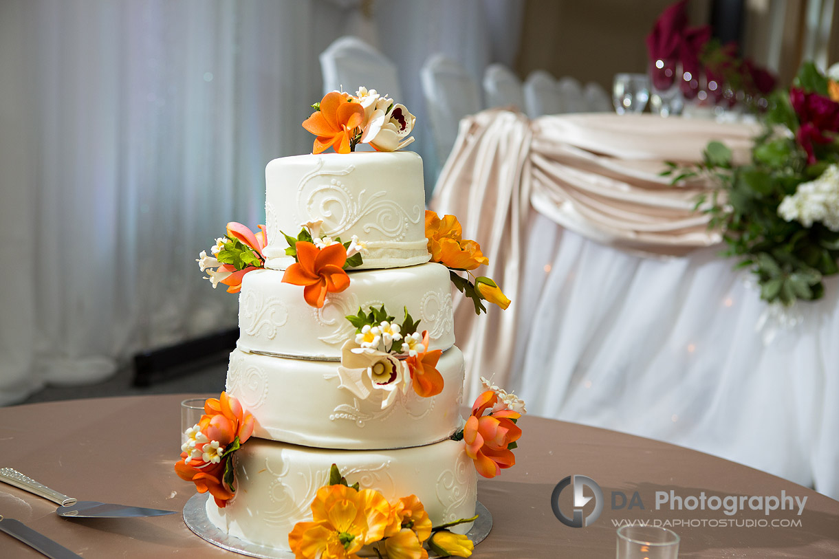 Wedding Cake at Burlington Golf and Country Club