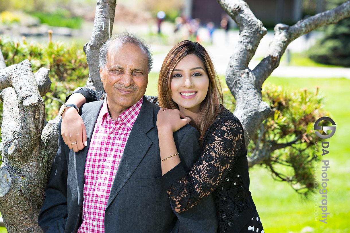 Best Photographer for Family Portrait at Gairloch Gardens