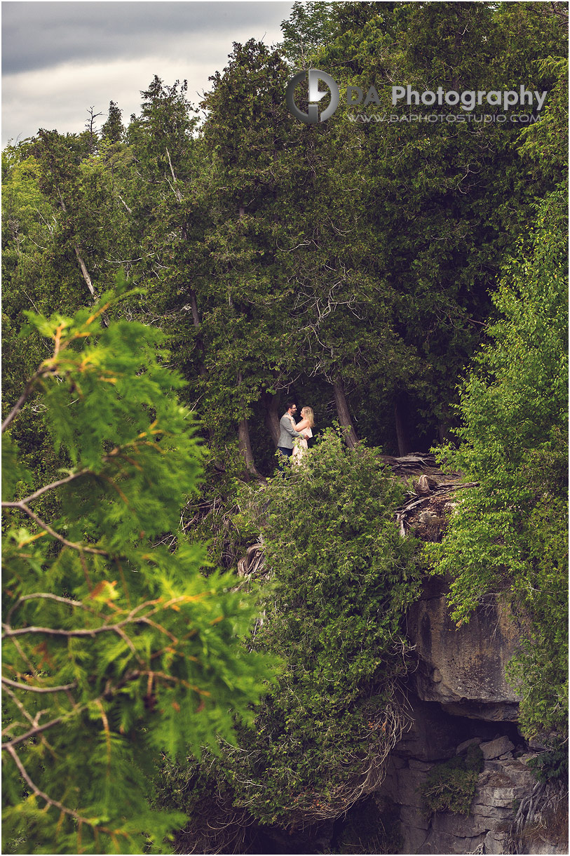 Best Inglis Falls engagement photographers