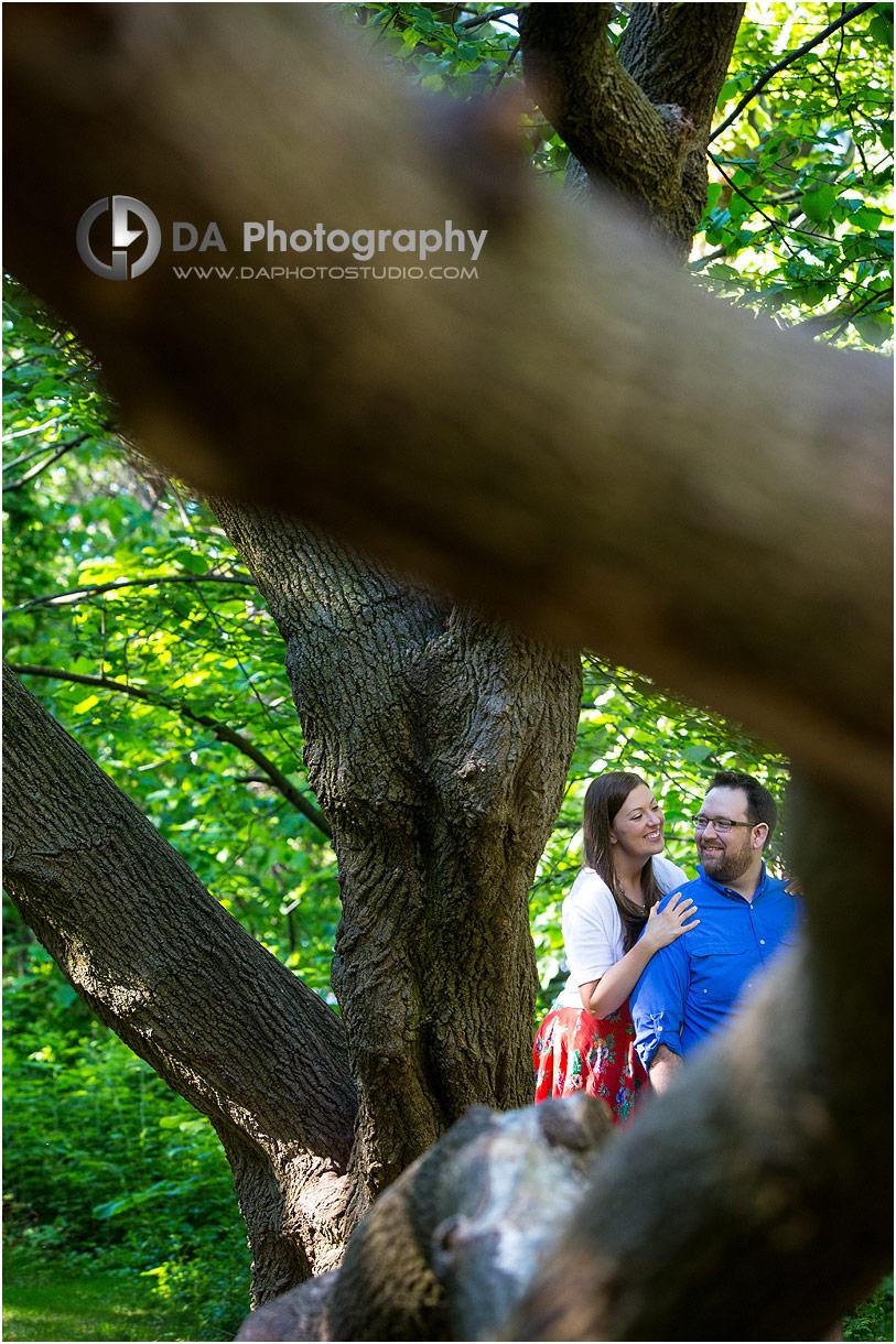 Niagara garden engagement picture