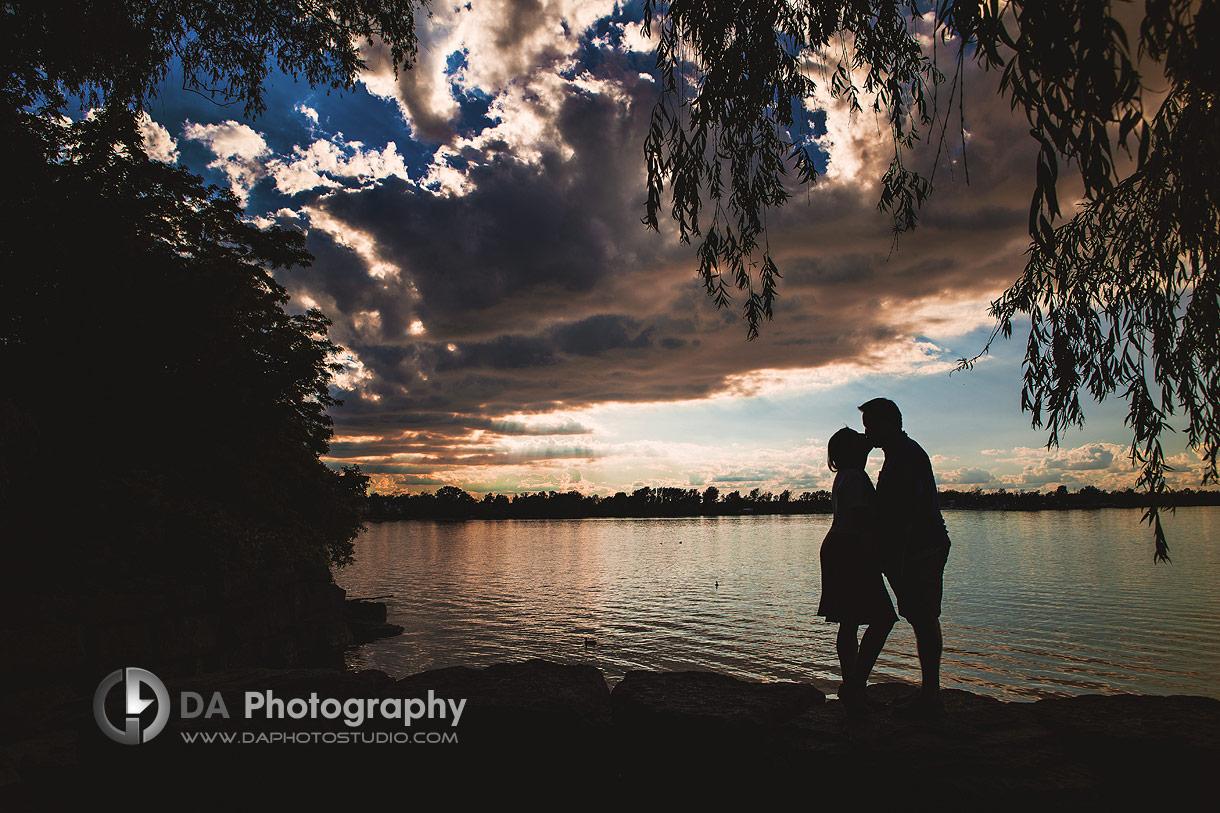 Niagara Engagement photos at sunset