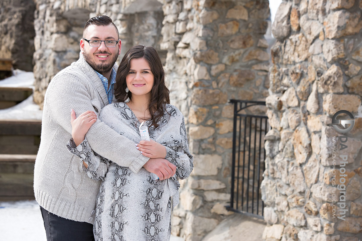 Winter maternity photos at Mill Race Park