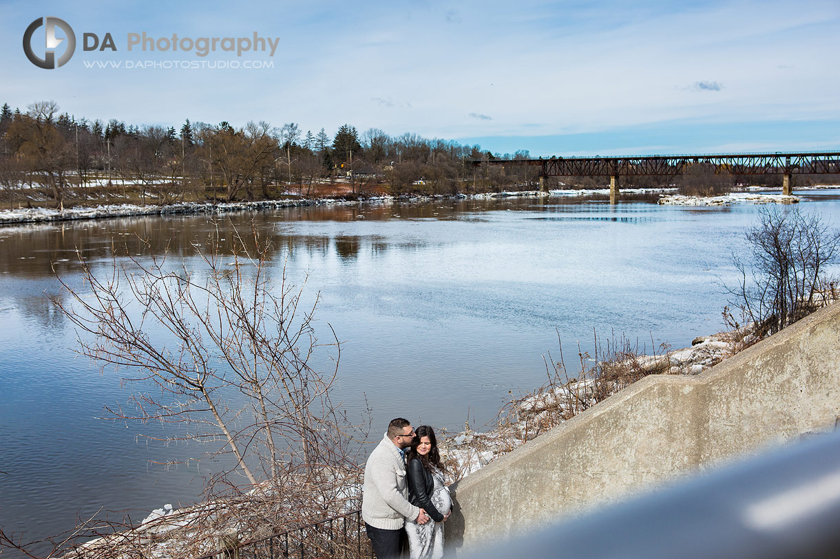 Winter maternity pictures at Cambridge Mill