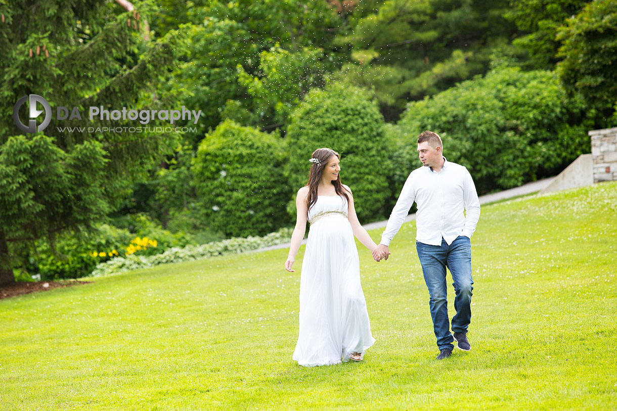 Maternity photographs in summer
