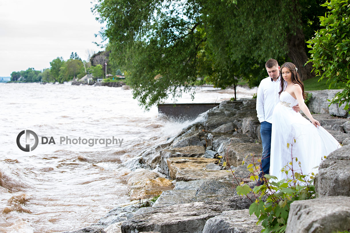 Maternity photography by Lake Ontario