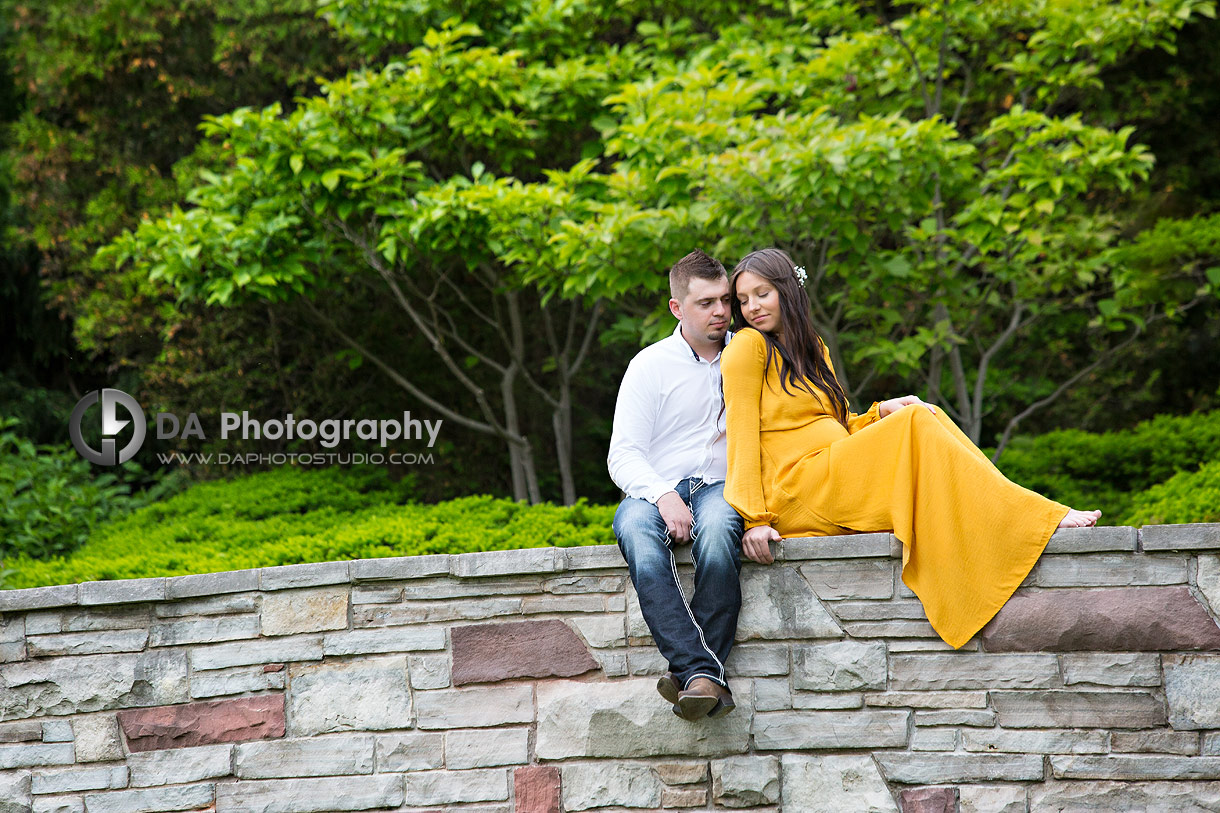 Intimate maternity photography at Paletta Mansion