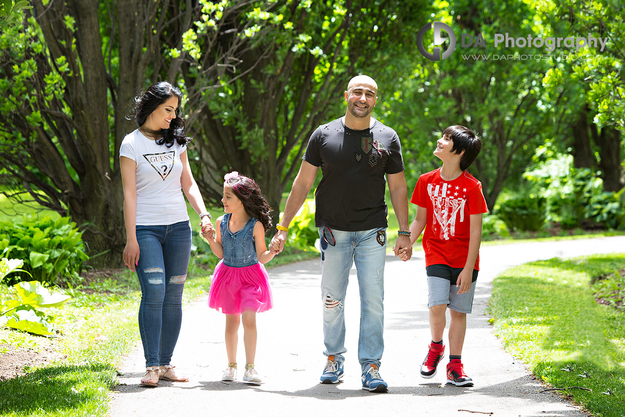 Family photo session at Chinguacousy park