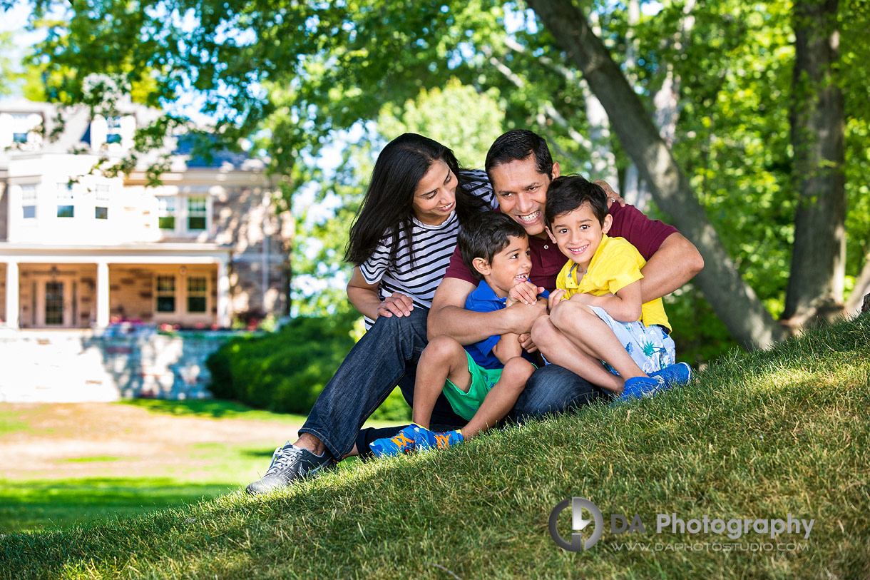 Family photo session at Paletta Mansion