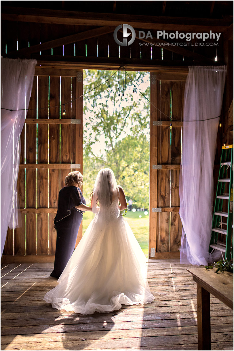 Wedding Dress at Barn weddings