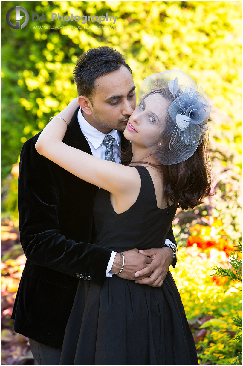 Couples Photos at Gairloch Gardens in Oakville