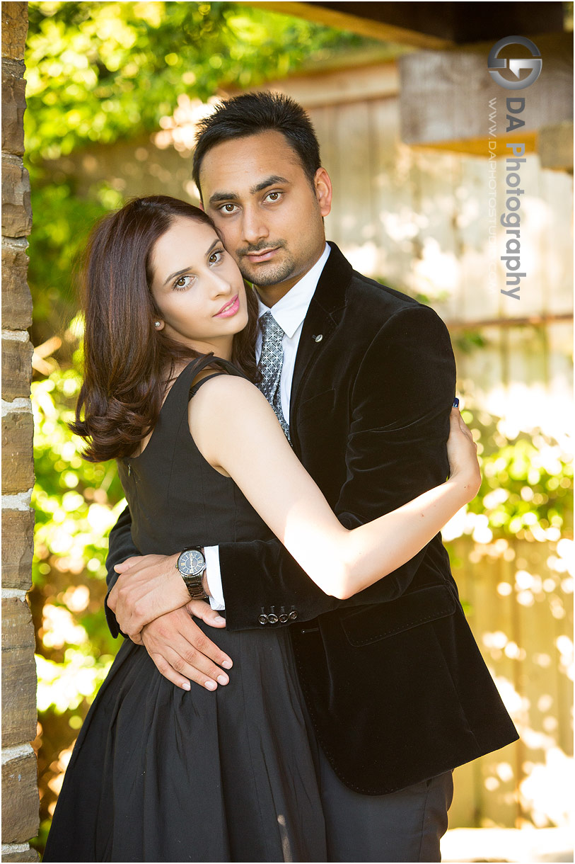 Couples Pictures at Gairloch Gardens in Oakville