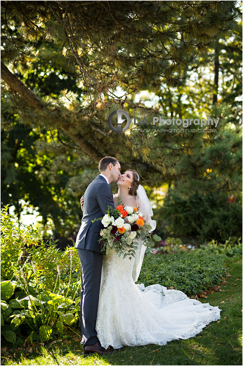 Wedding Pictures at Oakville Museum in Oakville