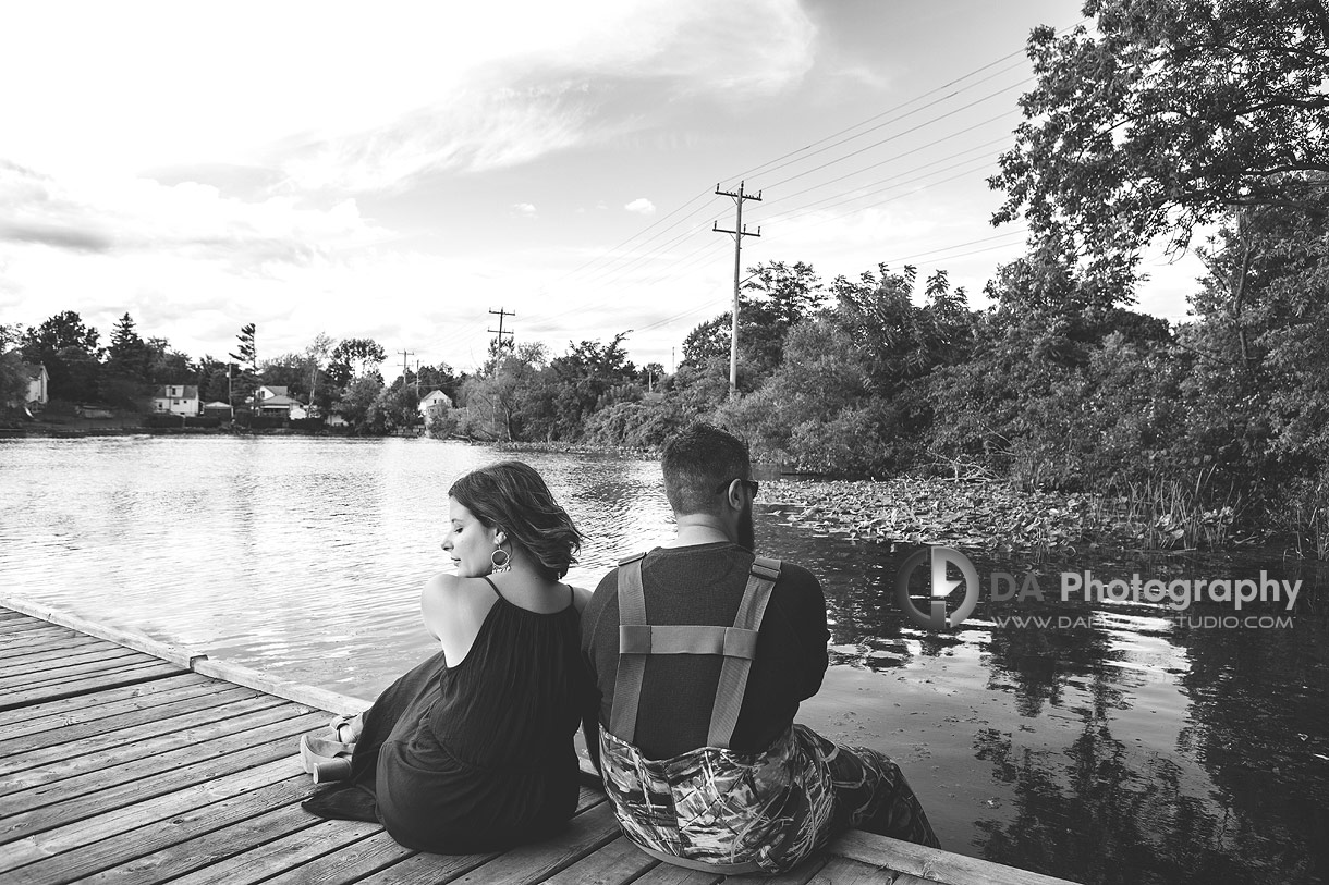Top engagement photographer in Simcoe