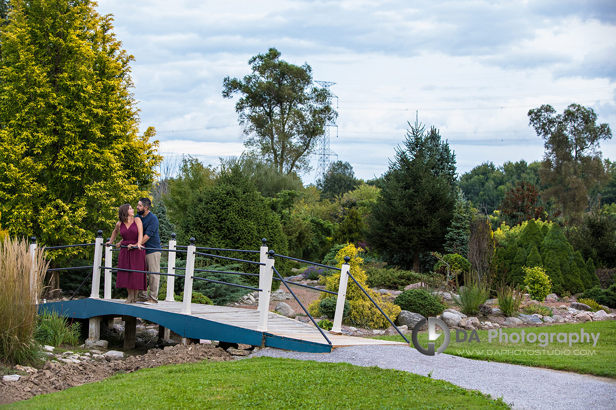 Engagement photographer in Wilsonville at Whistling Gardens