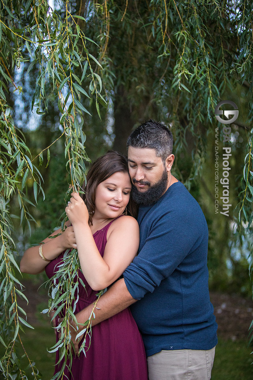 Whistling Gardens Engagement photographers in Wilsonville