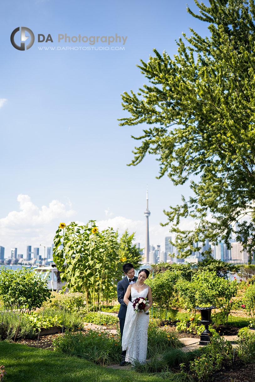 Intimate wedding at Royal Canadian Yacht Club