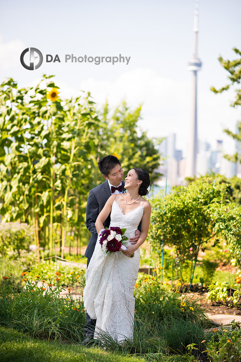 Wedding Pictures at Royal Canadian Yacht Club in Toronto