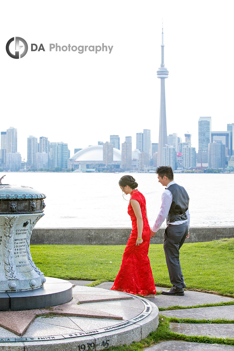Wedding photos with CN Tower at the back