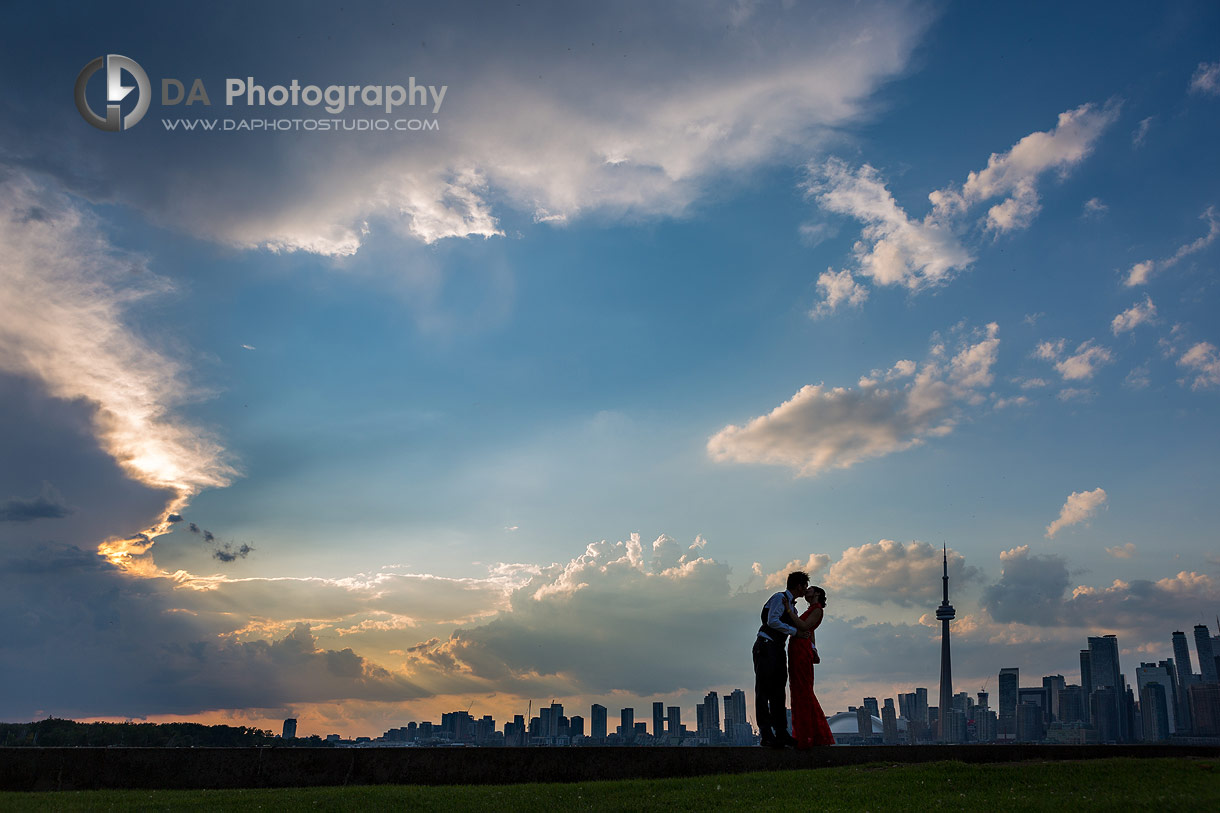 Best Toronto wedding photos at sunset