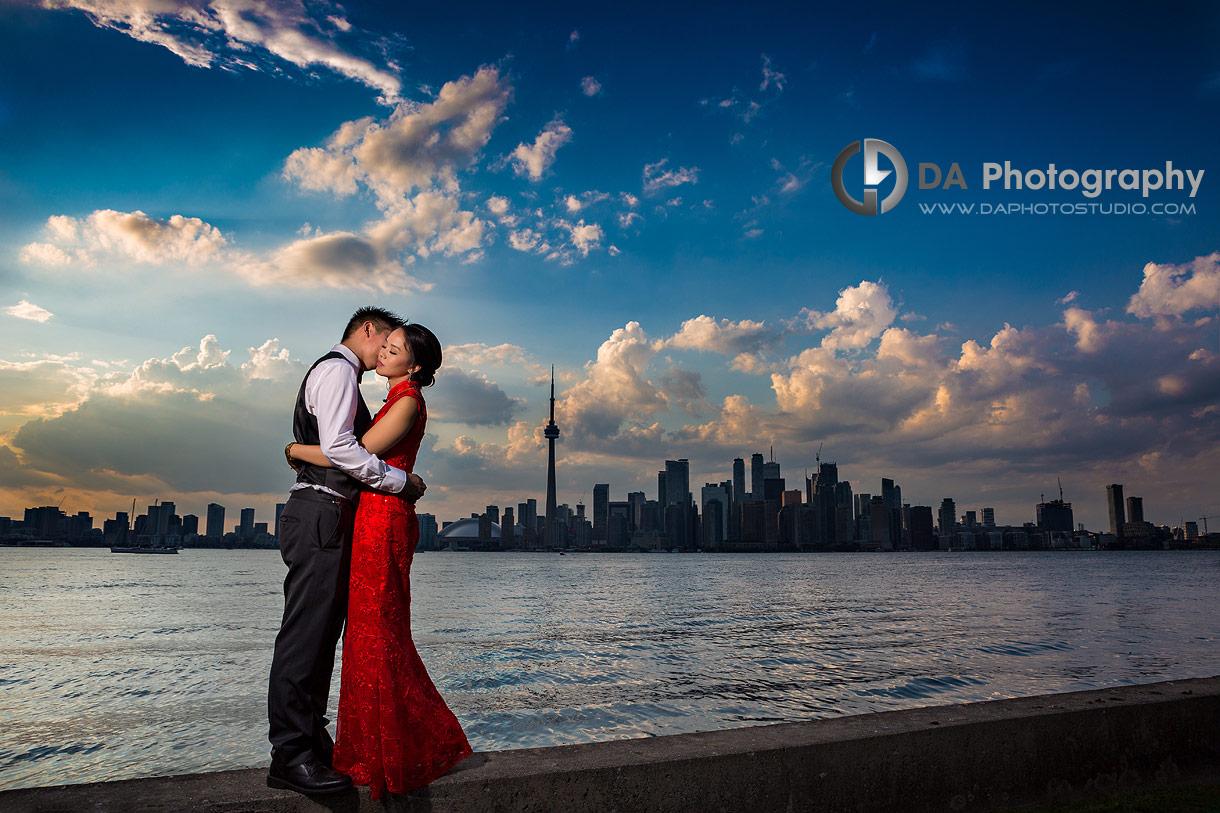Toronto Skyline wedding trend